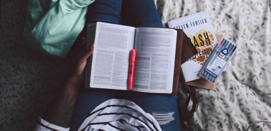 Czy warto czytać angielskie książki w oryginale?